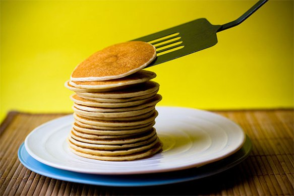 how-to-flip-pancakes[1]